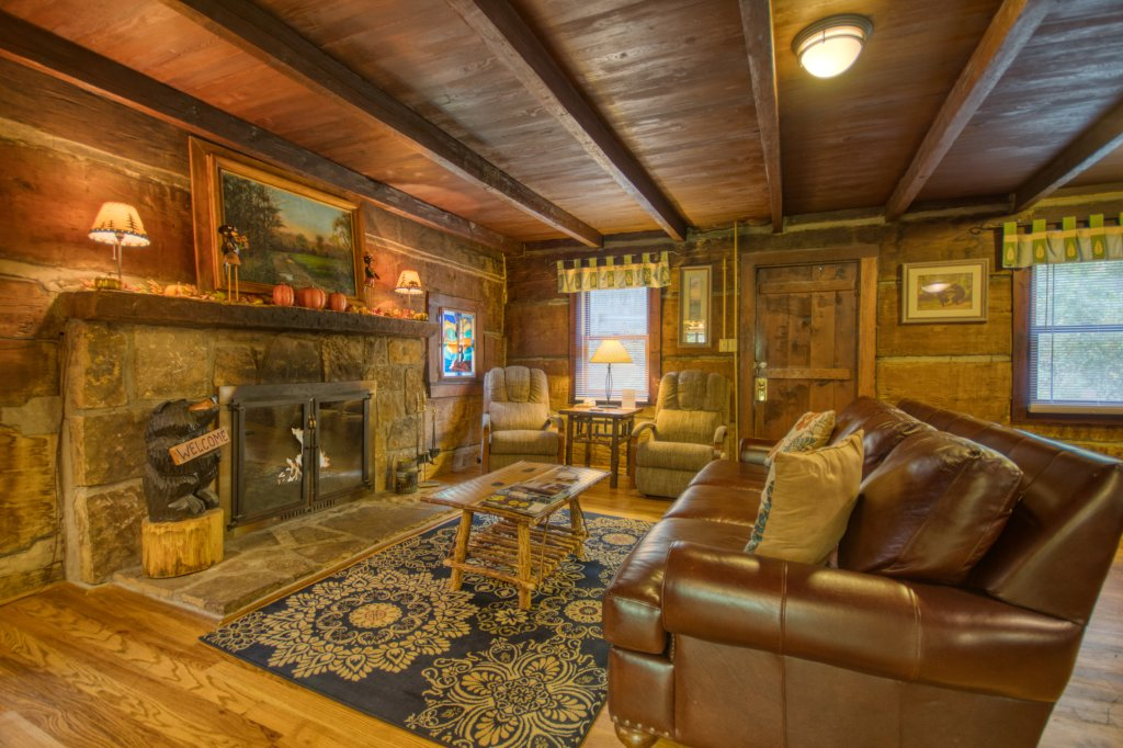 Photo of a Gatlinburg Cabin named Bear Cabin #462 - This is the fourth photo in the set.