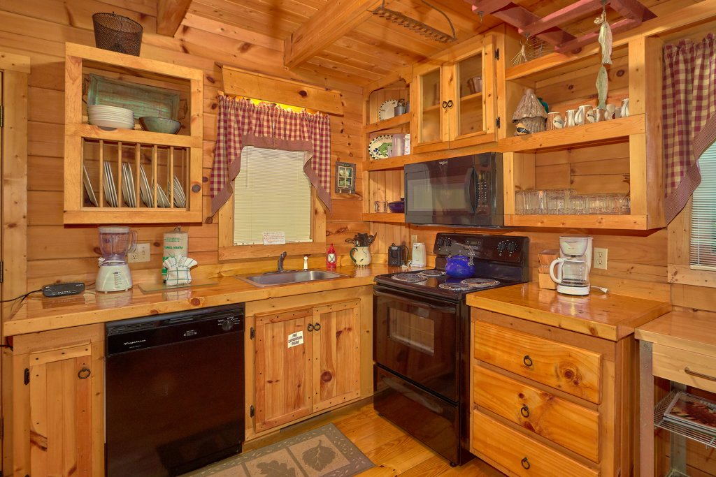 Photo of a Pigeon Forge Cabin named Romantic Hideaway #126 - This is the twelfth photo in the set.