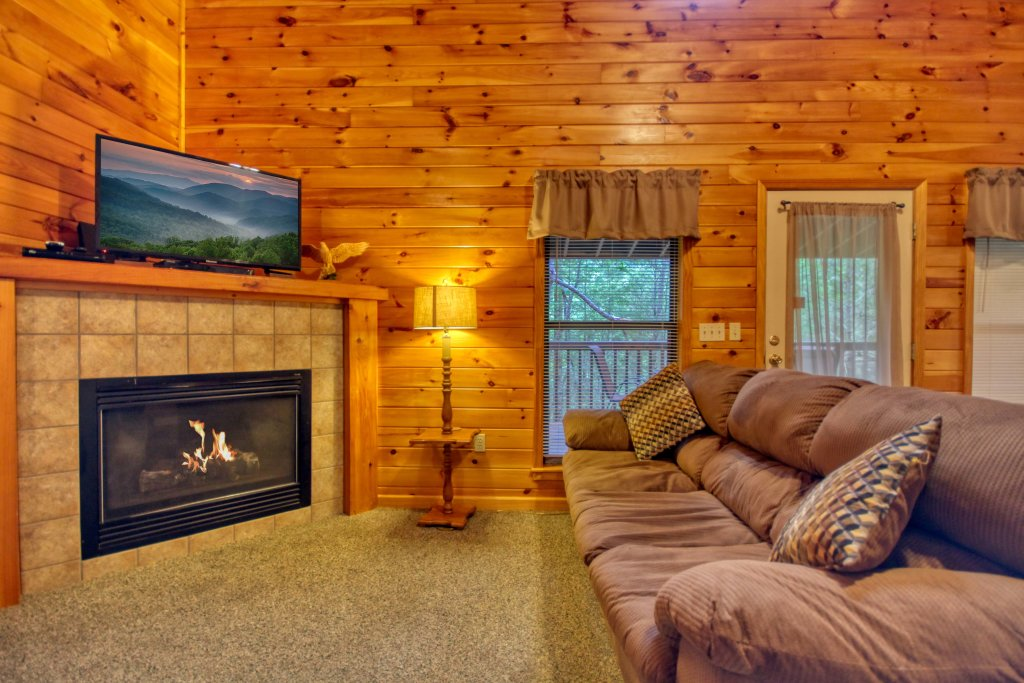 Photo of a Gatlinburg Cabin named Mountain Hideaway #338 - This is the fourth photo in the set.