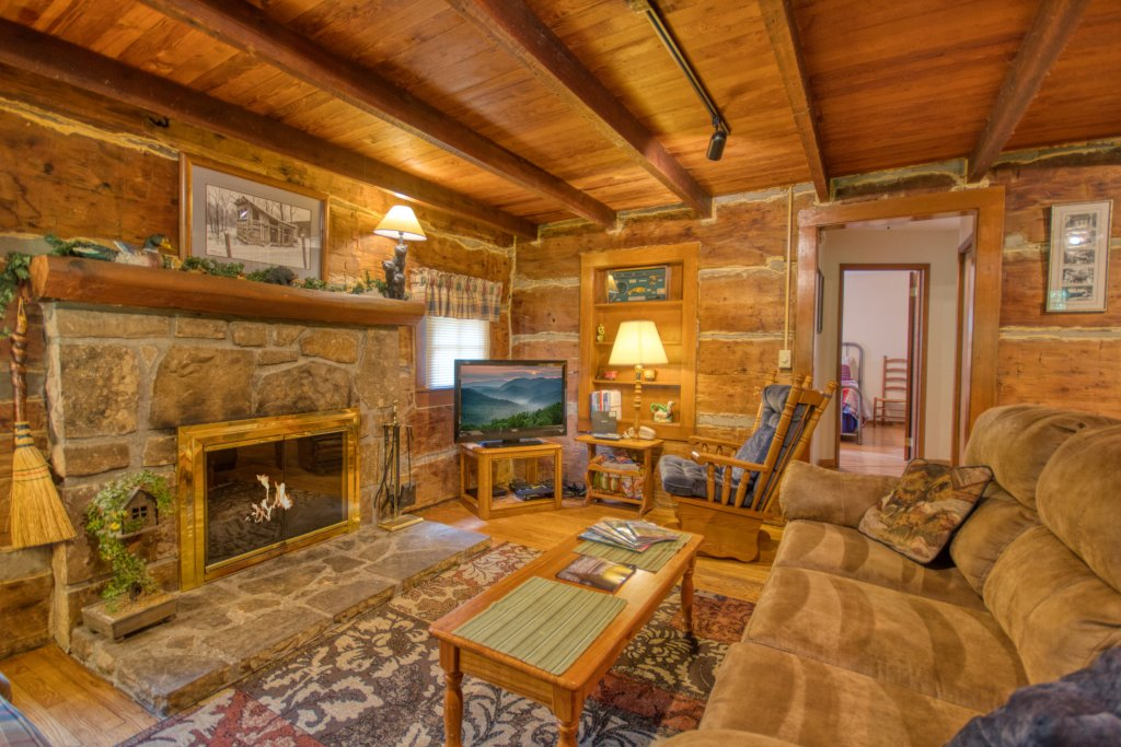 Photo of a Gatlinburg Cabin named River Dream #466 - This is the ninth photo in the set.