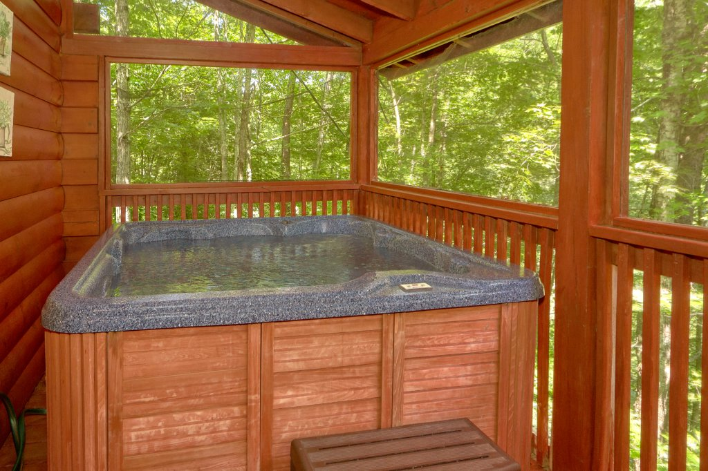 Photo of a Pigeon Forge Cabin named Romantic Hideaway #126 - This is the twentieth photo in the set.