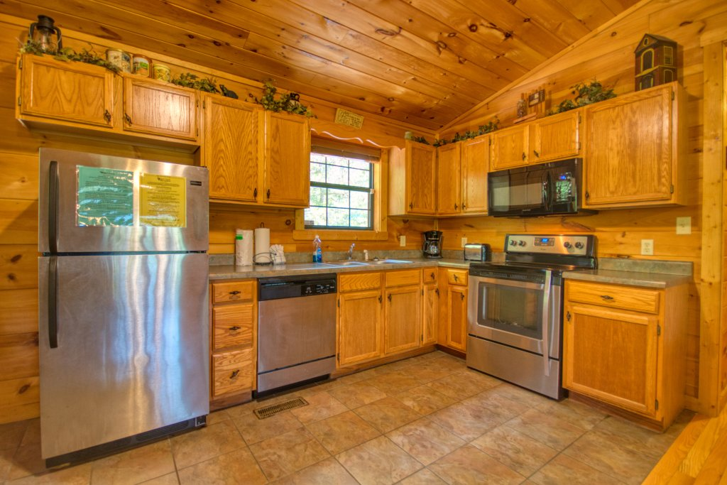Photo of a Sevierville Cabin named Dream Maker #120 - This is the third photo in the set.