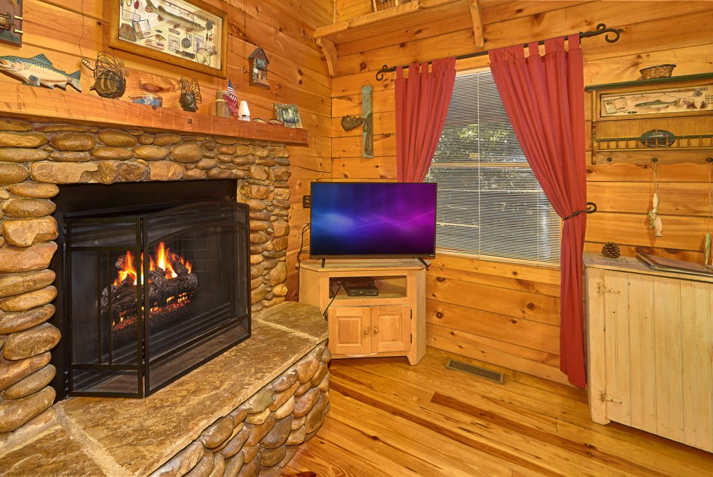 Photo of a Pigeon Forge Cabin named Romantic Hideaway #126 - This is the twenty-fifth photo in the set.