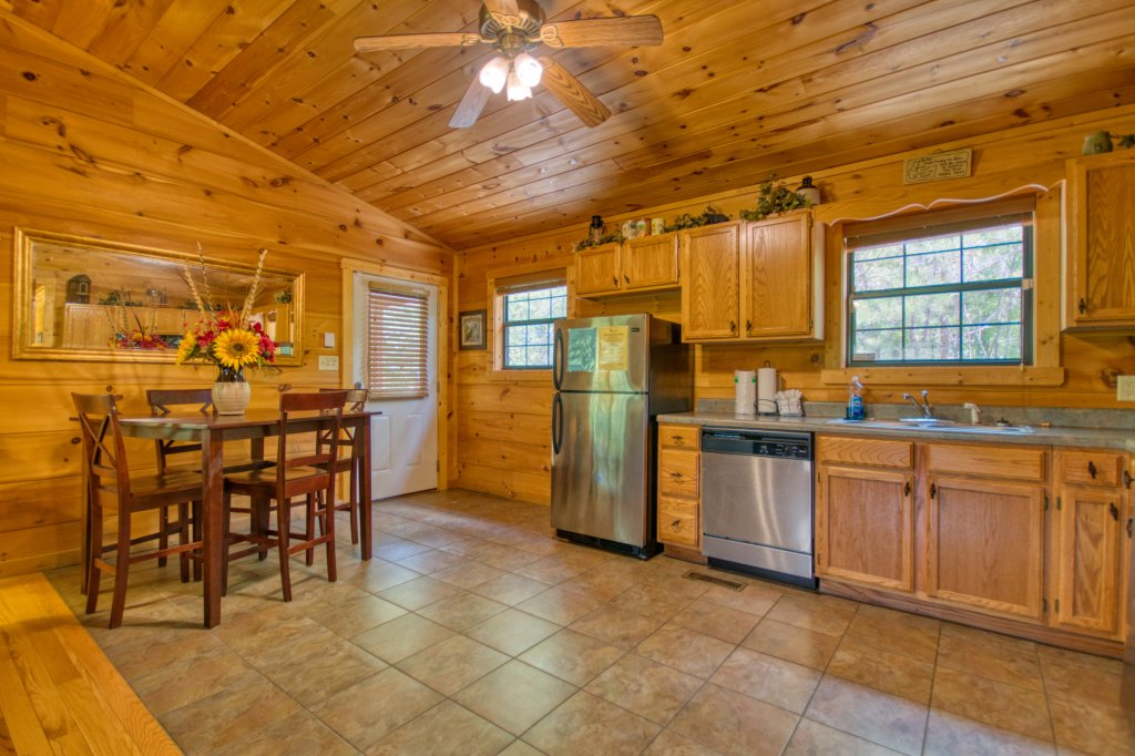 Photo of a Sevierville Cabin named Dream Maker #120 - This is the thirteenth photo in the set.