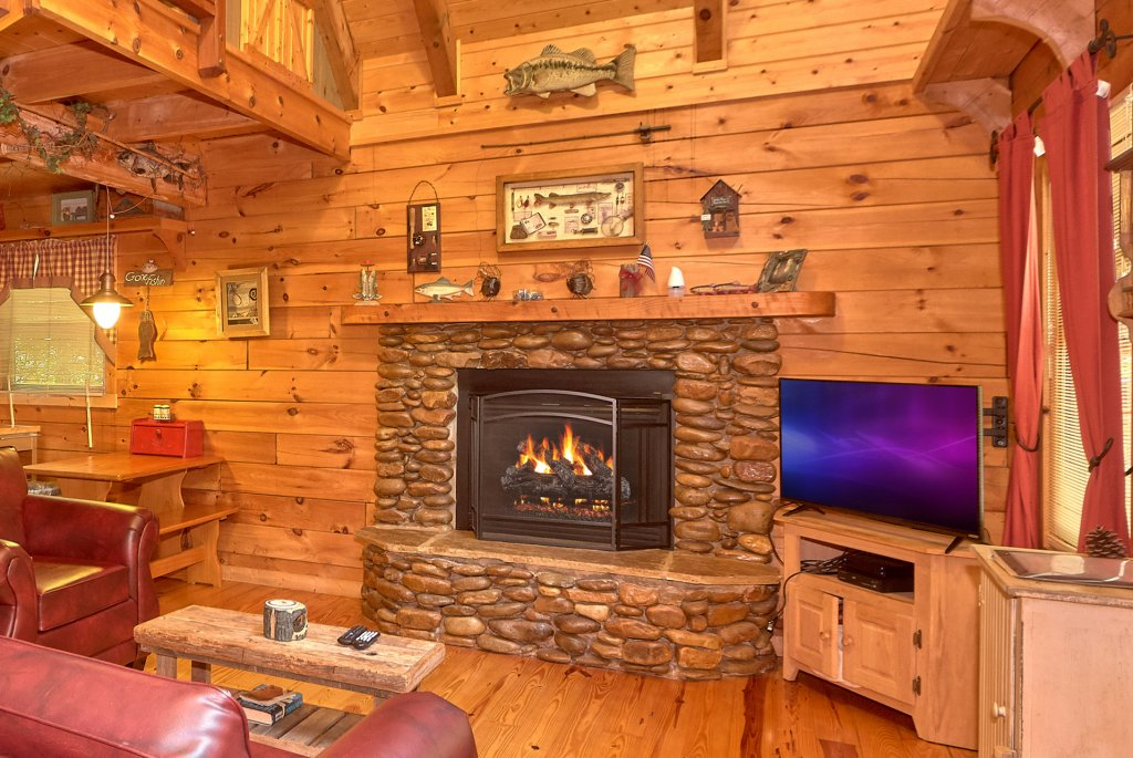 Photo of a Pigeon Forge Cabin named Romantic Hideaway #126 - This is the thirty-first photo in the set.