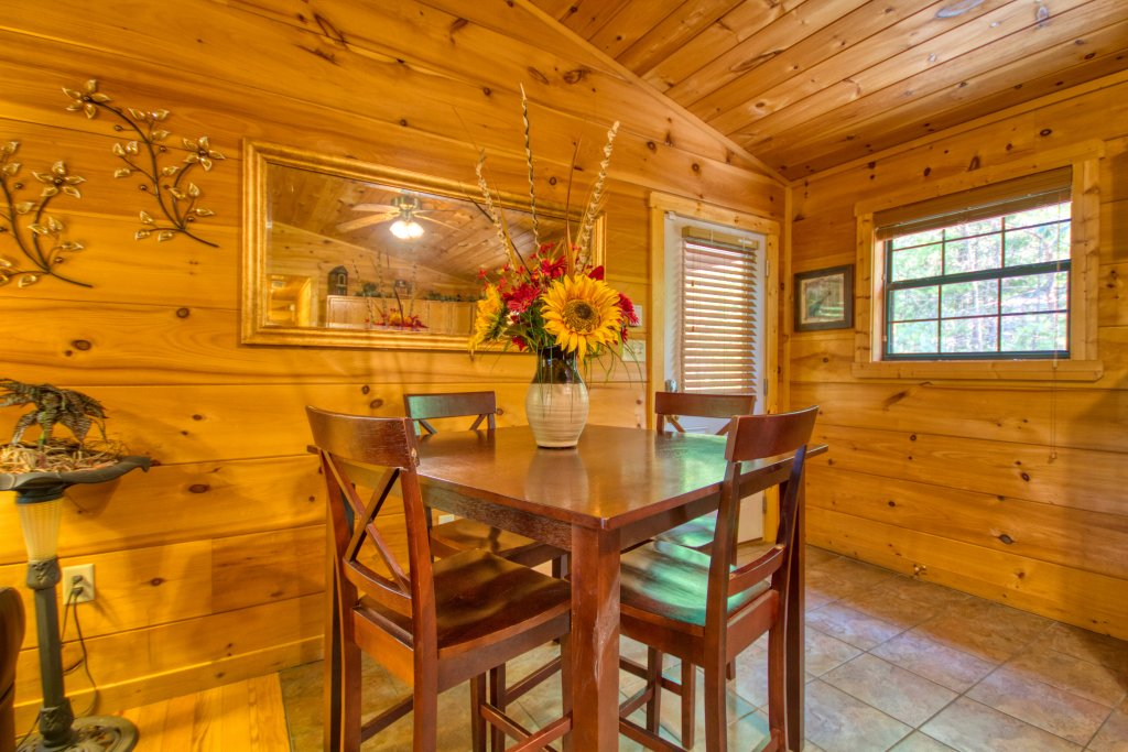 Photo of a Sevierville Cabin named Dream Maker #120 - This is the fourteenth photo in the set.