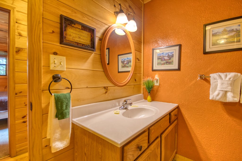 Photo of a Sevierville Cabin named Dream Maker #120 - This is the nineteenth photo in the set.