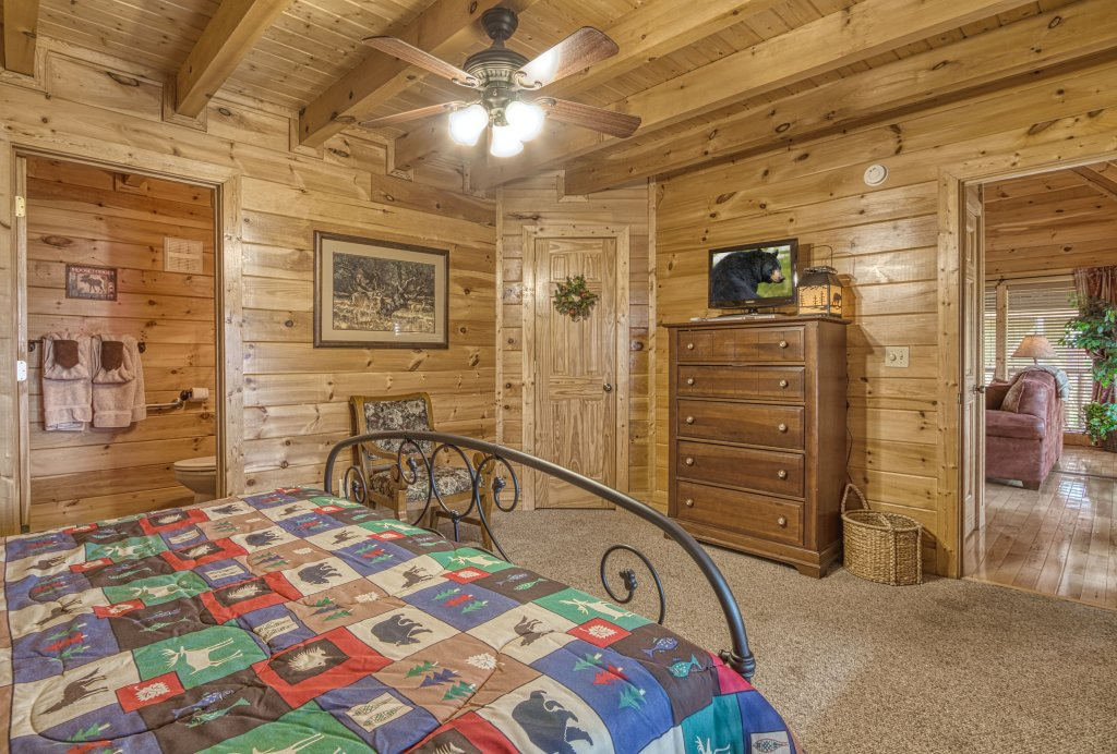 Photo of a Sevierville Cabin named Absolutely Wonderful #304 - This is the thirty-seventh photo in the set.