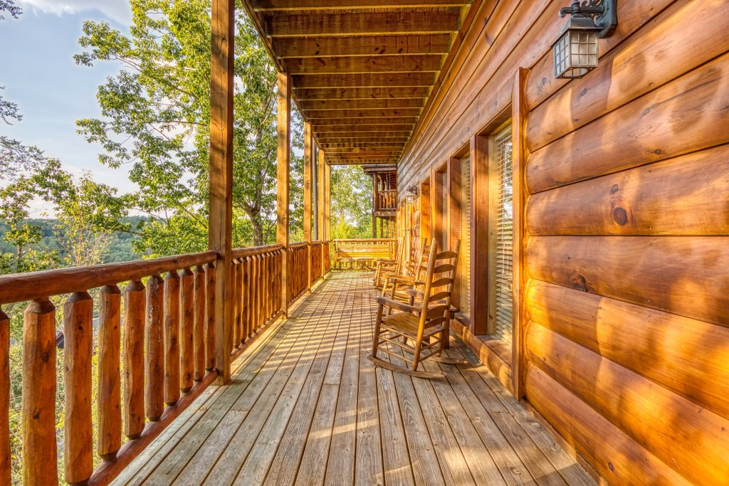 Photo of a Sevierville Cabin named Absolutely Wonderful #304 - This is the fifty-seventh photo in the set.