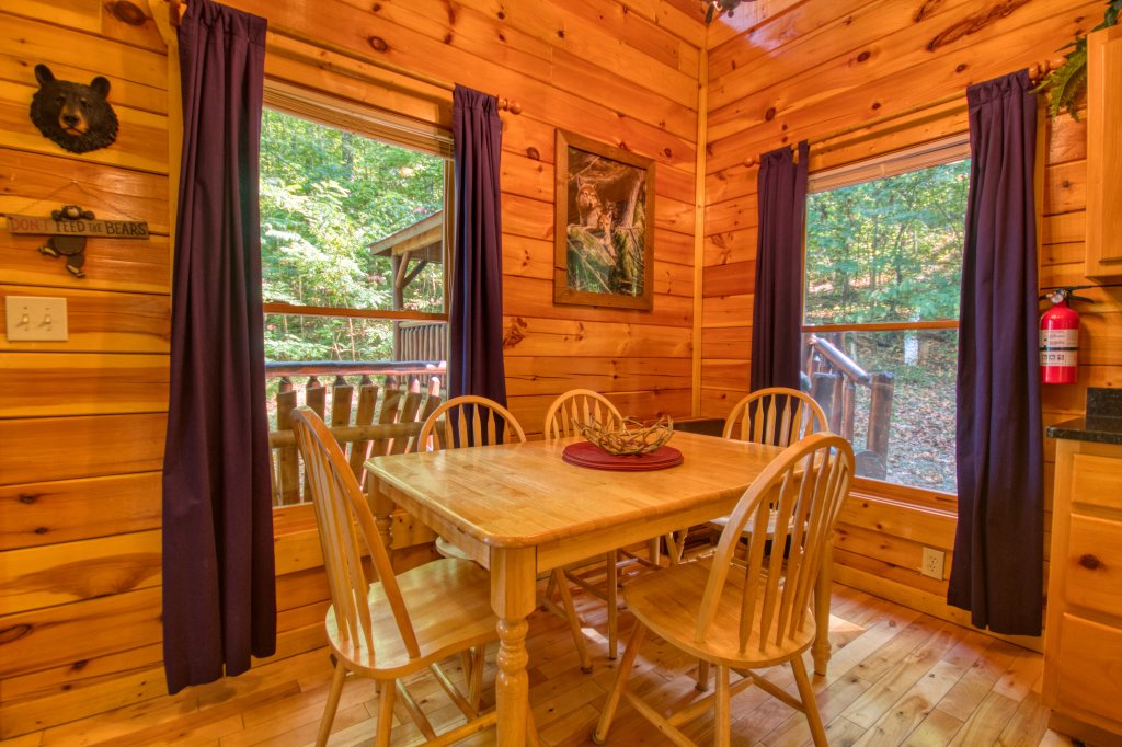 Photo of a Gatlinburg Cabin named Falcon Crest #2911 - This is the fifth photo in the set.