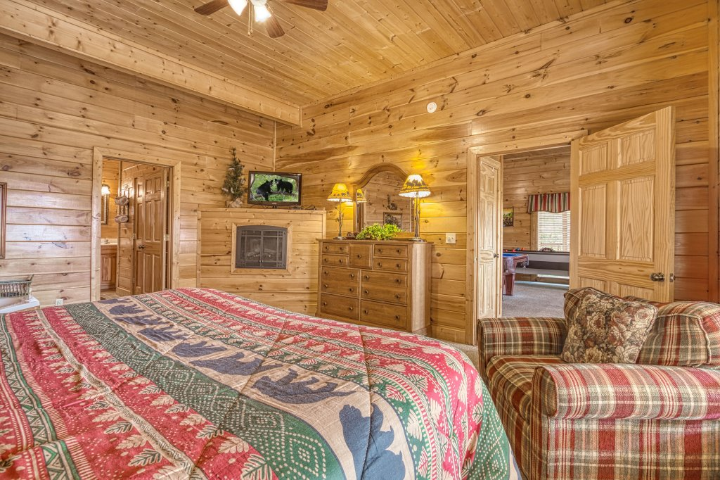 Photo of a Sevierville Cabin named Absolutely Wonderful #304 - This is the fifty-second photo in the set.