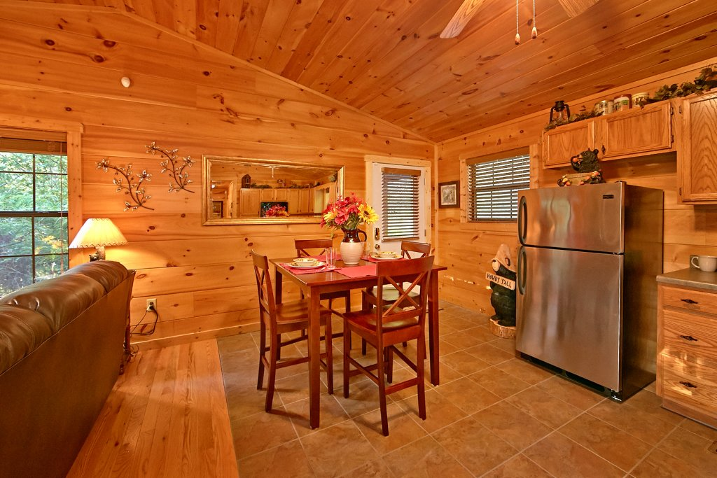 Photo of a Sevierville Cabin named Dream Maker #120 - This is the thirty-seventh photo in the set.