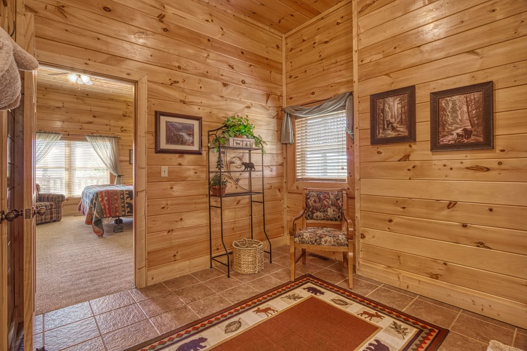 Photo of a Sevierville Cabin named Absolutely Wonderful #304 - This is the fifty-sixth photo in the set.