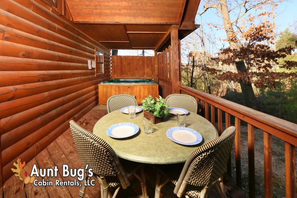 Photo of a Pigeon Forge Cabin named Sun-sational View #245 - This is the thirty-first photo in the set.