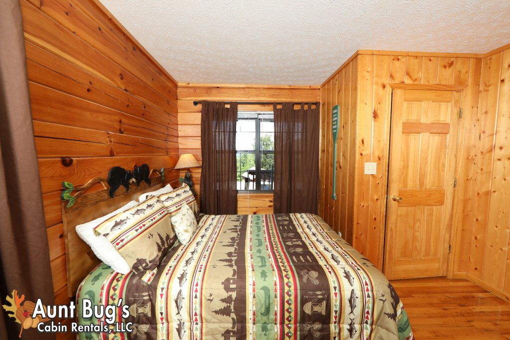 Photo of a Pigeon Forge Cabin named Sun-sational View #245 - This is the twenty-first photo in the set.