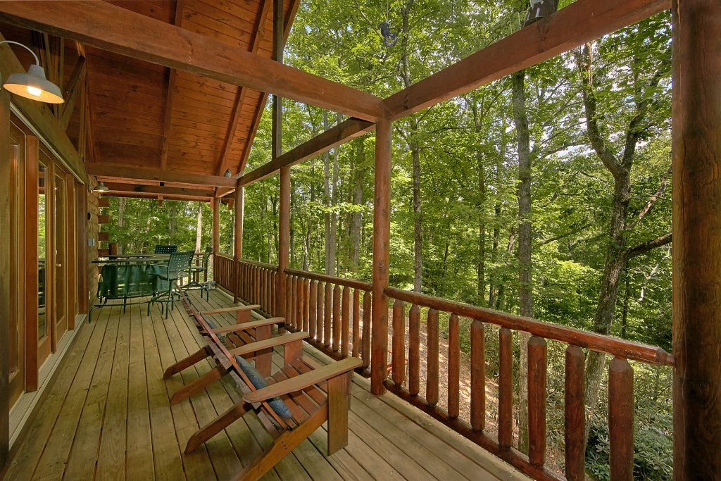 Photo of a Gatlinburg Cabin named Browns Bear Den #235 - This is the twenty-fourth photo in the set.