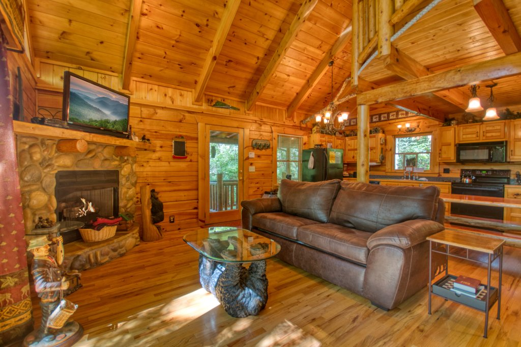 Photo of a Gatlinburg Cabin named Browns Bear Den #235 - This is the fourth photo in the set.
