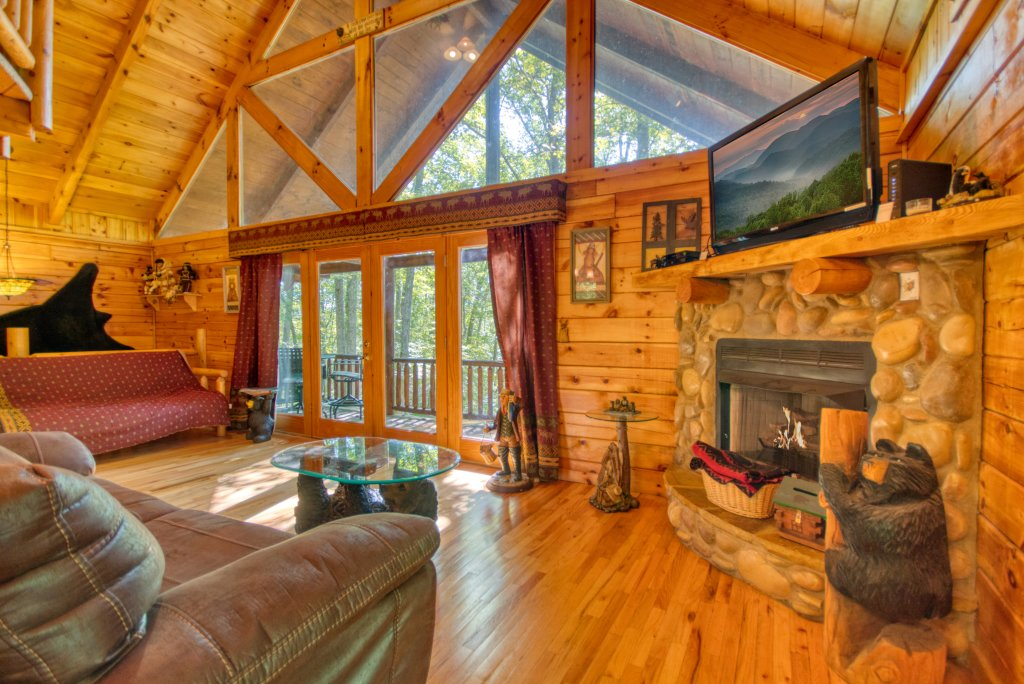 Photo of a Gatlinburg Cabin named Browns Bear Den #235 - This is the sixteenth photo in the set.