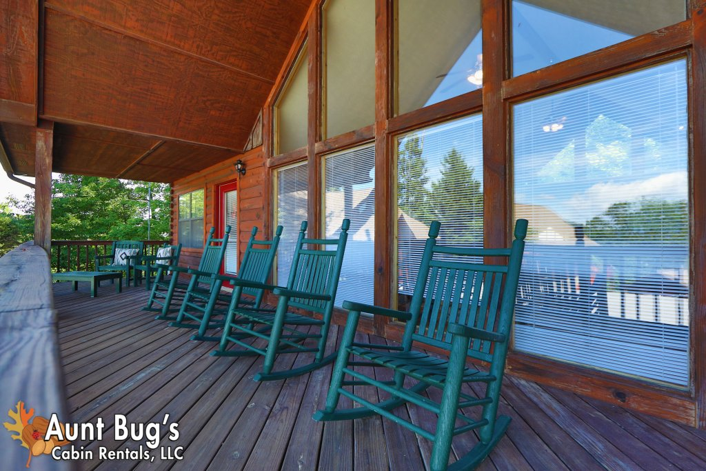 Photo of a Pigeon Forge Cabin named Sun-sational View #245 - This is the fifty-first photo in the set.