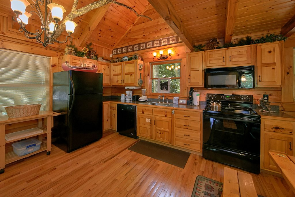 Photo of a Gatlinburg Cabin named Browns Bear Den #235 - This is the fortieth photo in the set.