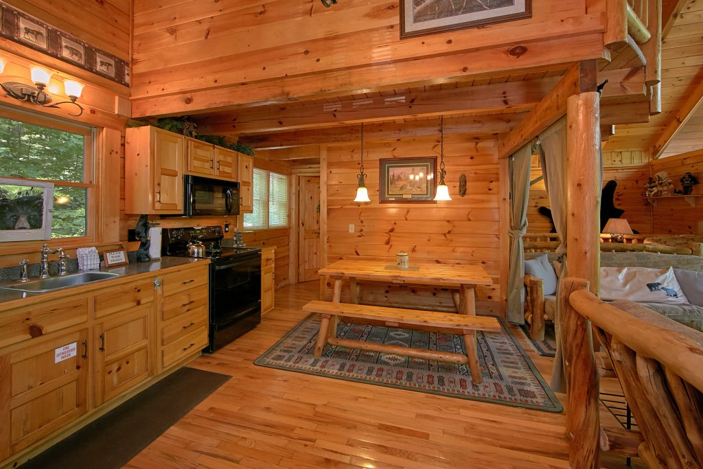 Photo of a Gatlinburg Cabin named Browns Bear Den #235 - This is the thirty-fifth photo in the set.
