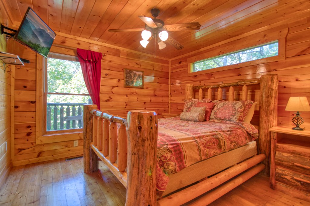 Photo of a Gatlinburg Cabin named Mountain Paradise #295 - This is the ninth photo in the set.