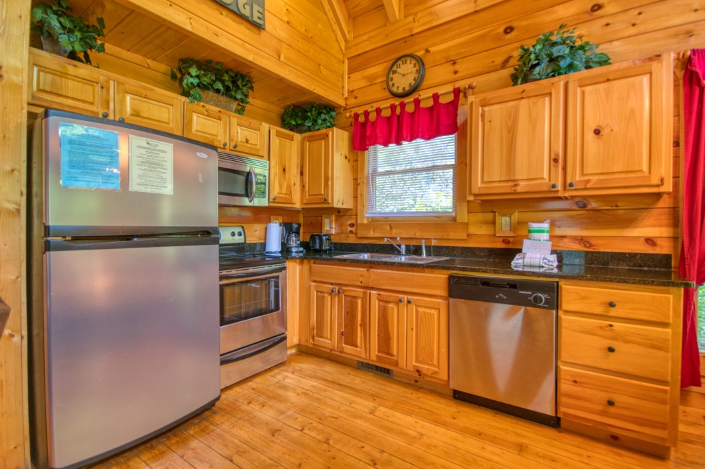 Photo of a Gatlinburg Cabin named Mountain Paradise #295 - This is the seventh photo in the set.