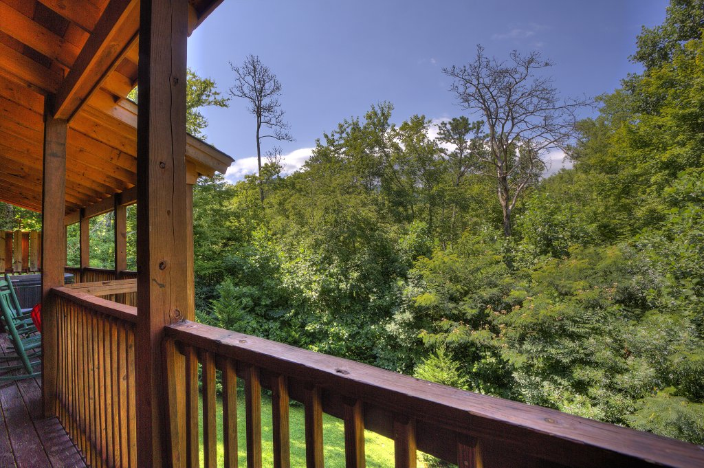 Photo of a Gatlinburg Cabin named Majestic Waters #575 - This is the fortieth photo in the set.