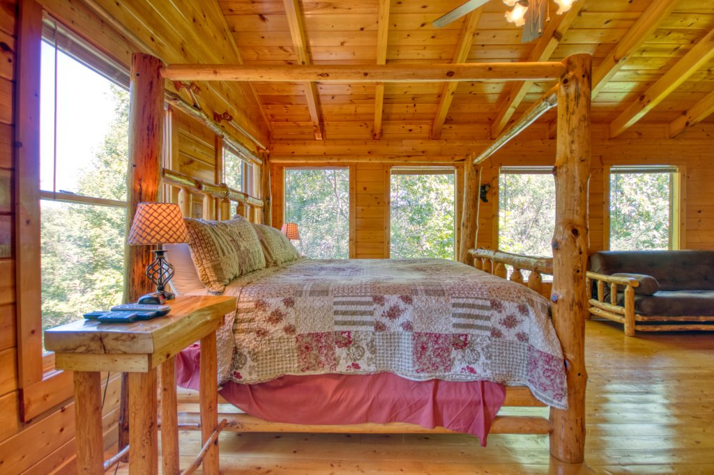 Photo of a Gatlinburg Cabin named Mountain Paradise #295 - This is the nineteenth photo in the set.