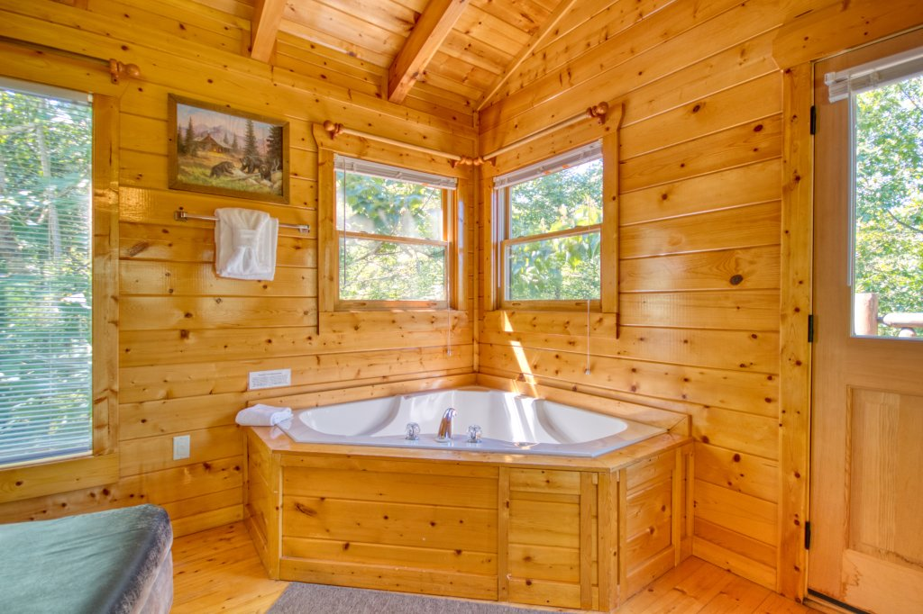 Photo of a Gatlinburg Cabin named Mountain Paradise #295 - This is the twentieth photo in the set.