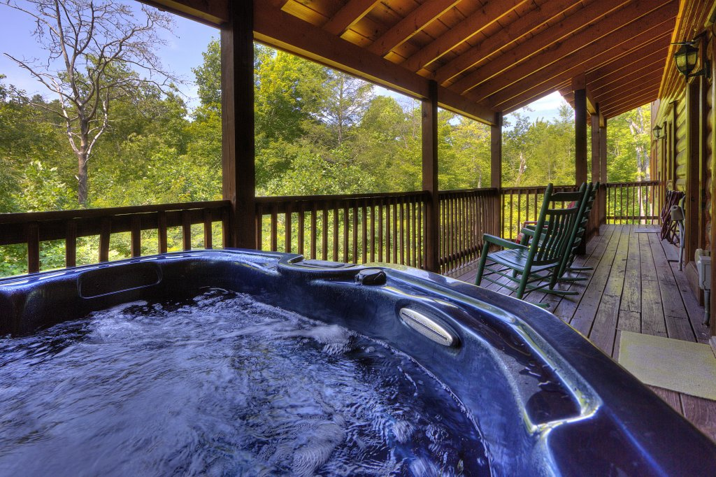 Photo of a Gatlinburg Cabin named Majestic Waters #575 - This is the fifth photo in the set.