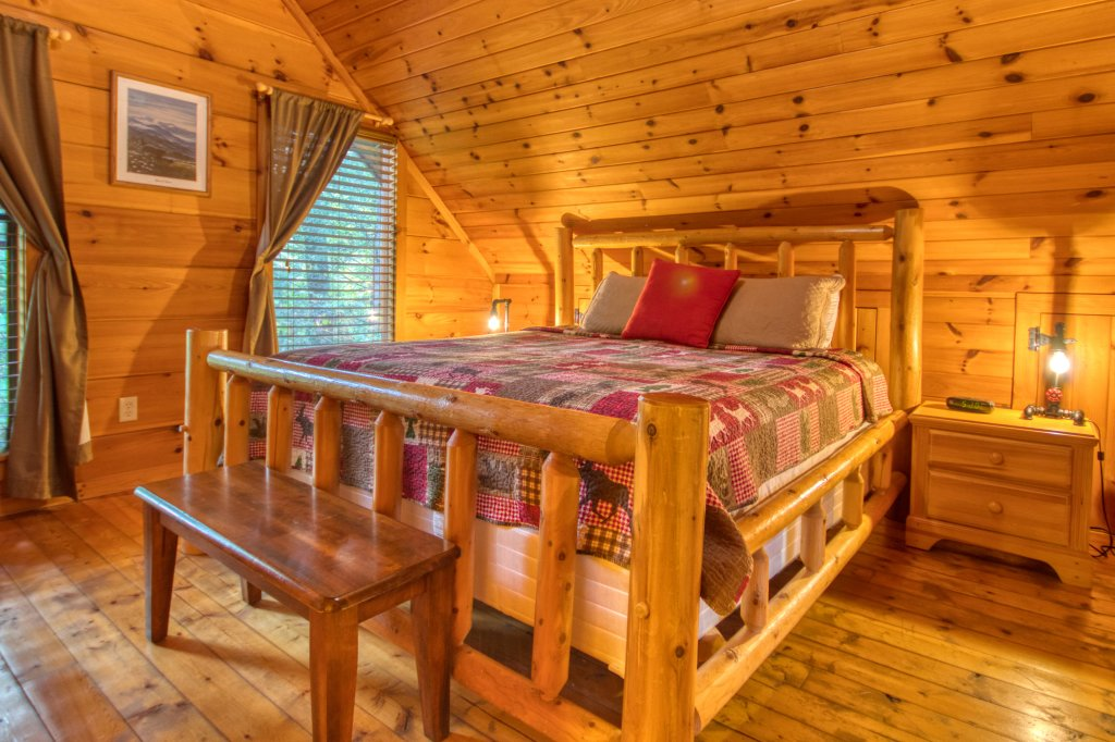 Photo of a Pigeon Forge Cabin named Beneath The Stars #220 - This is the seventeenth photo in the set.