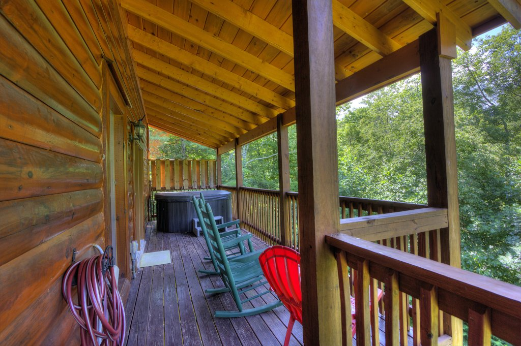 Photo of a Gatlinburg Cabin named Majestic Waters #575 - This is the forty-first photo in the set.