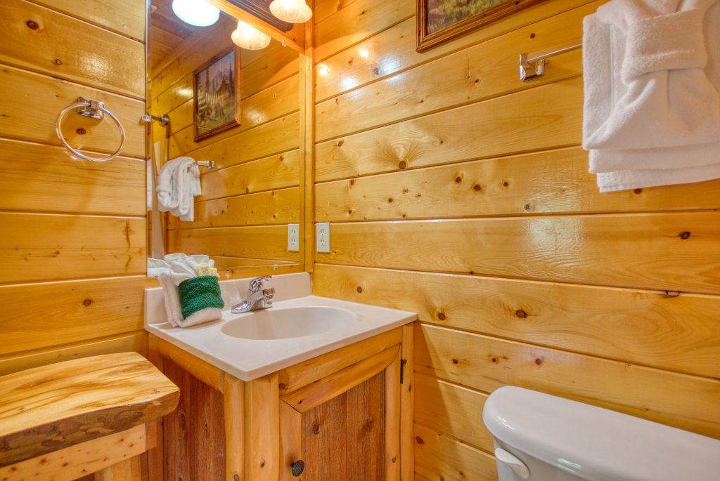 Photo of a Gatlinburg Cabin named Mountain Paradise #295 - This is the twenty-first photo in the set.