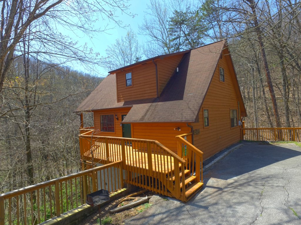 Photo of a Gatlinburg Cabin named Bear Run Getaway #1136 - This is the first photo in the set.