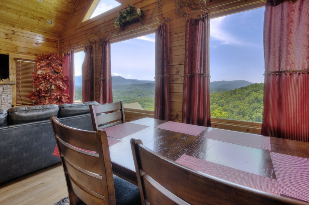Photo of a Pigeon Forge Cabin named Lasting Impressions #240 - This is the nineteenth photo in the set.