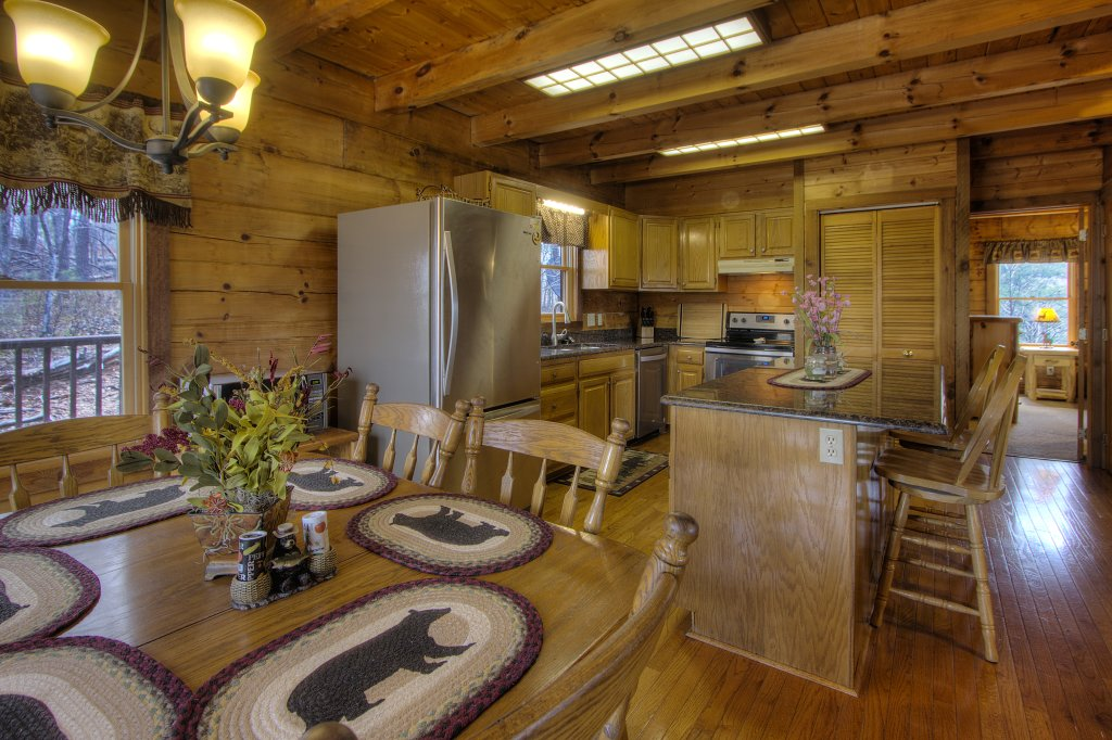 Photo of a Gatlinburg Cabin named Almost Heaven #205 - This is the eighteenth photo in the set.