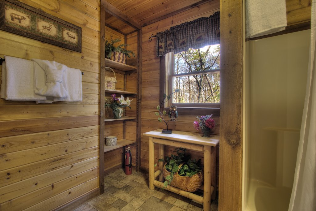 Photo of a Gatlinburg Cabin named Almost Heaven #205 - This is the twenty-fifth photo in the set.