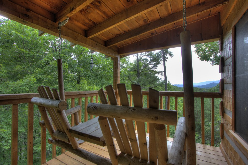 Photo of a Sevierville Cabin named Apple Bear View #116 - This is the fifth photo in the set.