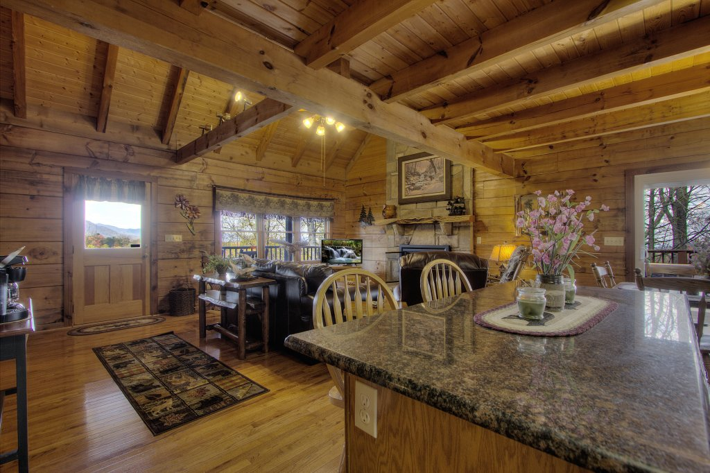 Photo of a Gatlinburg Cabin named Almost Heaven #205 - This is the thirty-fourth photo in the set.