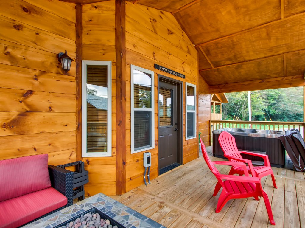 Photo of a Pigeon Forge Cabin named River Romance #2328 - This is the seventeenth photo in the set.