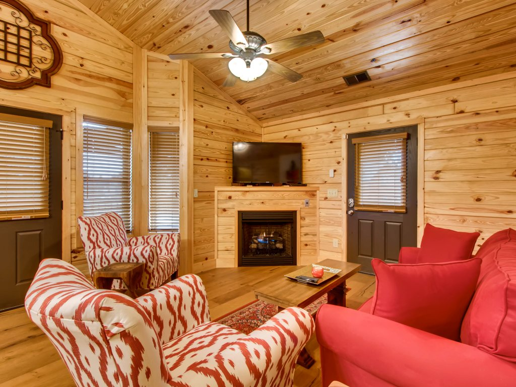 Photo of a Pigeon Forge Cabin named River Romance #2328 - This is the twelfth photo in the set.