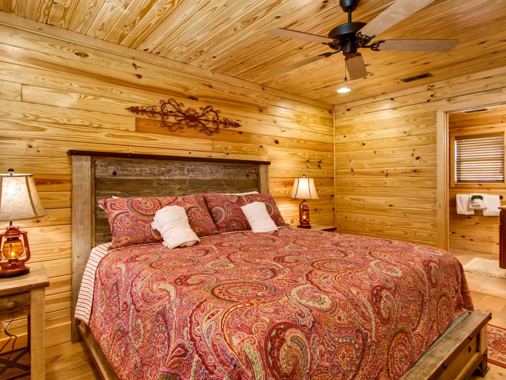 Photo of a Pigeon Forge Cabin named River Romance #2328 - This is the thirteenth photo in the set.