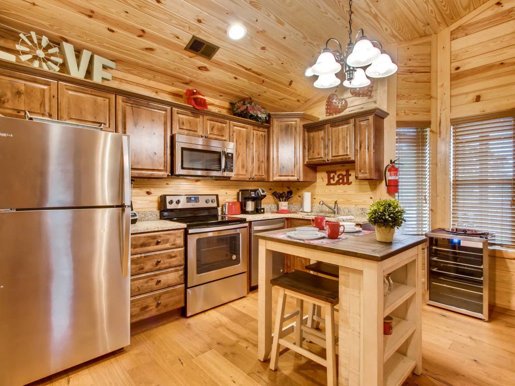 Photo of a Pigeon Forge Cabin named River Romance #2328 - This is the second photo in the set.