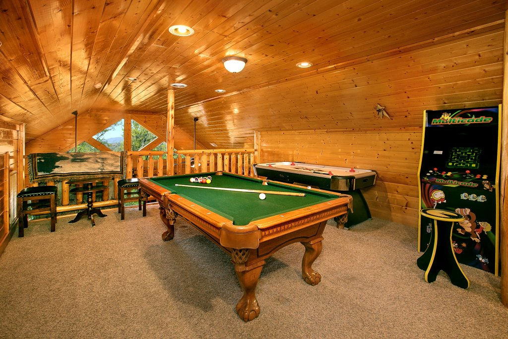 Photo of a Pigeon Forge Cabin named Misty Ridge #68 - This is the sixth photo in the set.