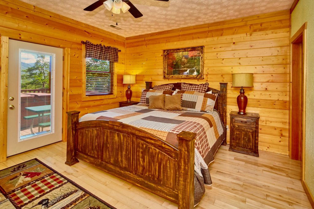 Photo of a Gatlinburg Cabin named A Grand View Lodge #540 - This is the thirty-third photo in the set.
