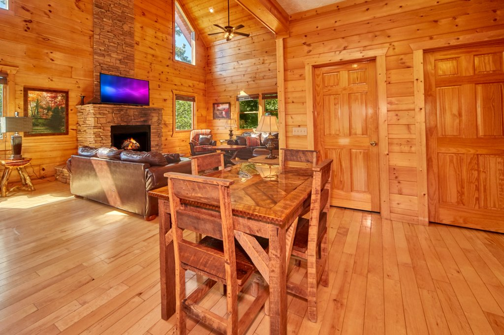 Photo of a Gatlinburg Cabin named A Grand View Lodge #540 - This is the tenth photo in the set.