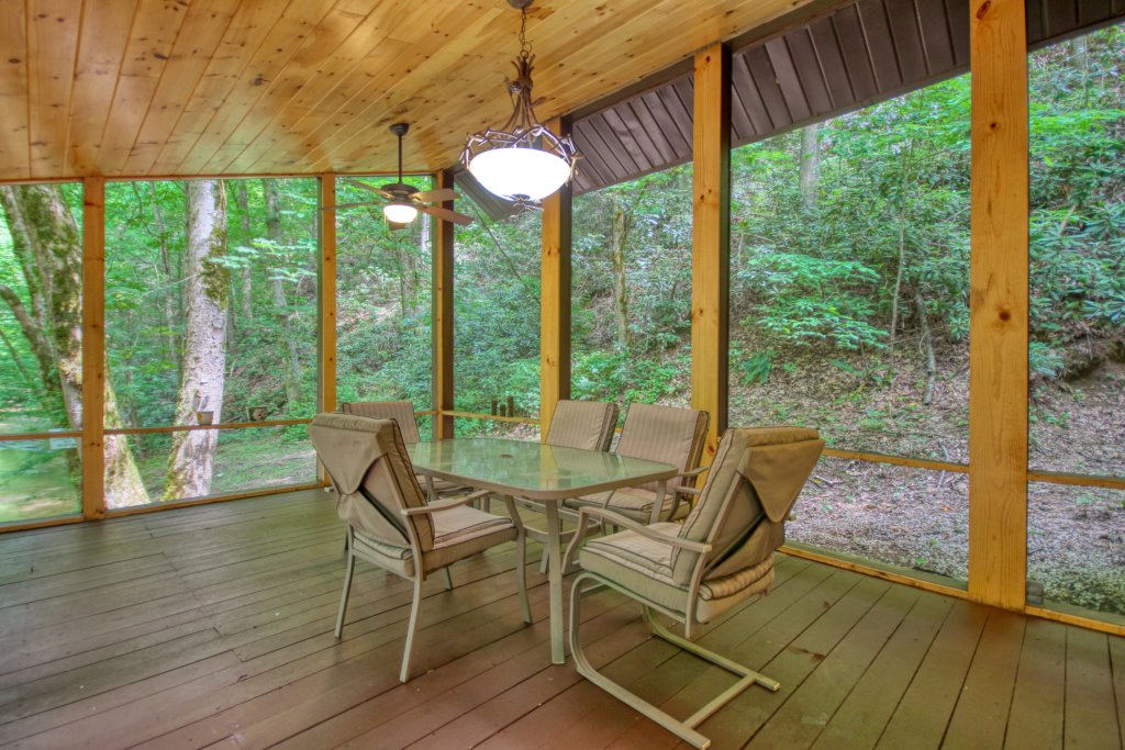 Photo of a Sevierville Cabin named The Promise At Cool Creek #130 - This is the sixteenth photo in the set.