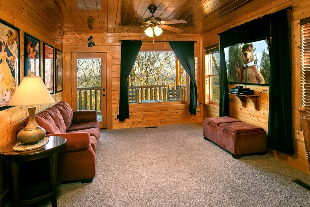 Photo of a Pigeon Forge Cabin named Misty Ridge #68 - This is the fifth photo in the set.