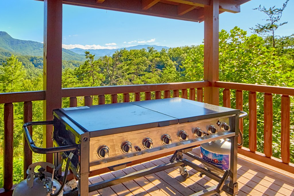 Photo of a Gatlinburg Cabin named A Grand View Lodge #540 - This is the seventeenth photo in the set.